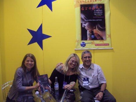 Darléa zacharias - Lançamento do seu Livro Drogas - O Árduo caminho de volta - Libertarei alguns de meus livros com o Projeto Livro de Rua