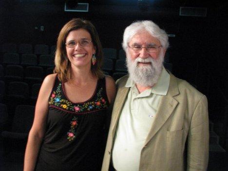 Mara Mattos coordenadora da Biblioteca da Liberdade de BH e Leonardo Boff